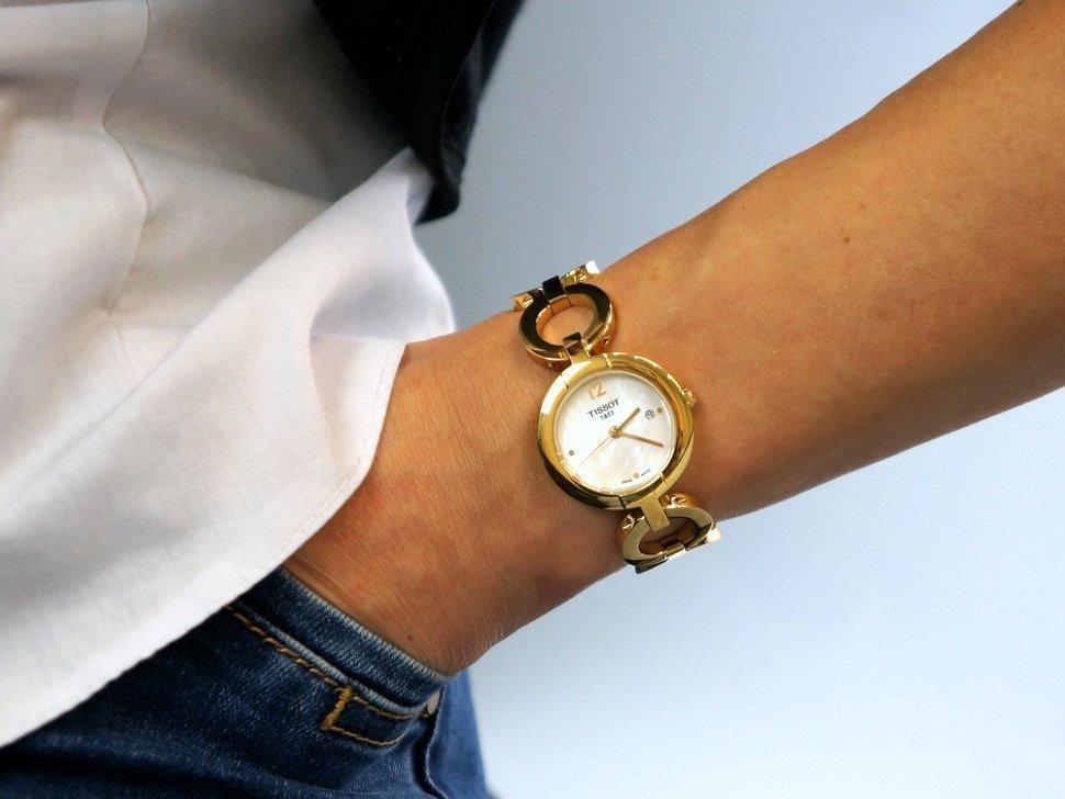 """> >> в магазине """"швейцарский стиль"""" вы можете купить женские наручные часы tissot в санкт-петербурге."""