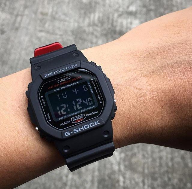 Наручные часы Casio DW-5600