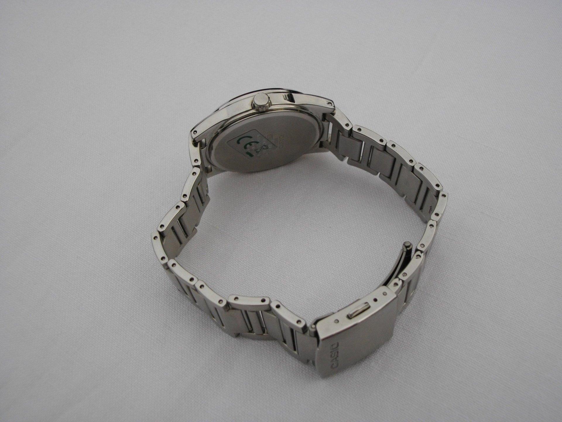 Годинник CASIO BEM-111D-1AVEF Купити годинник Касіо BEM111D1AVEF в ... d47905e83ba03