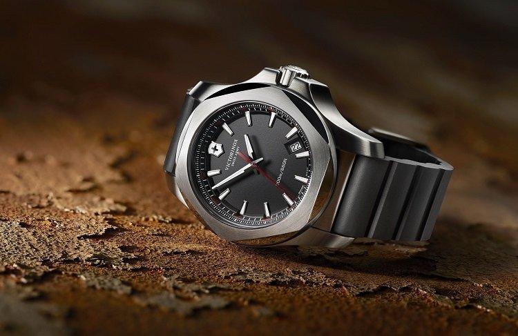 часы викторинокс официальный сайт цены